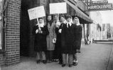 Telephone operators on strike, Loves Park, Ill.