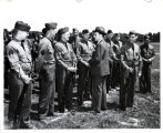 Thomas E. Dewey visits soldiers at Fort Sheridan.  92.24.2282